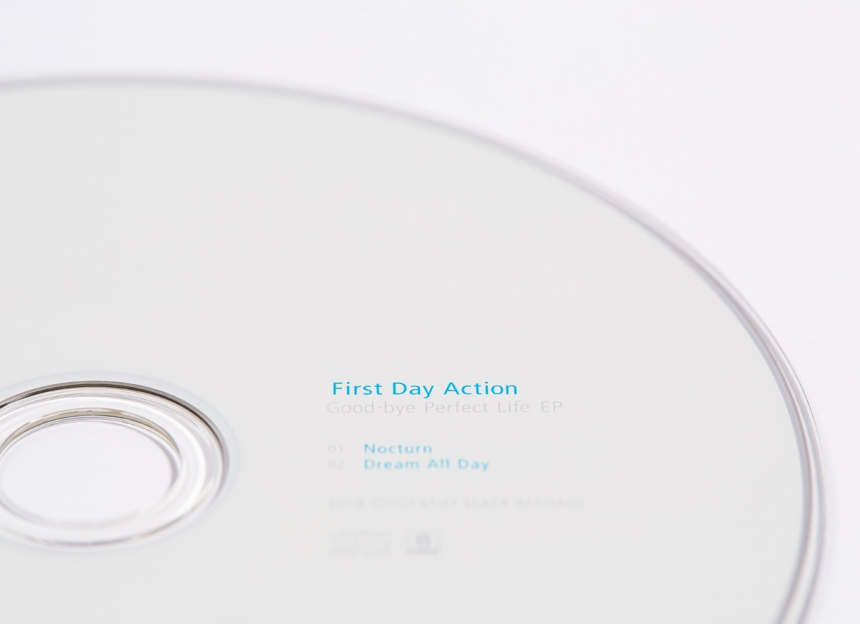 first day action / Good-bye Perfect Life